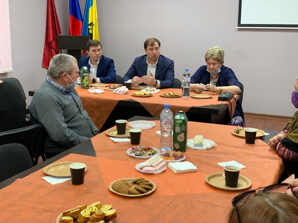 Глава управы встретился с Советом ветеранов района Капотня. Фото: Елена Шилина