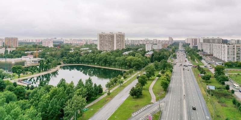 В 2021 году благоустроят более 100 небольших парков, скверов и жилых территорий – Собянин. Фото: mos.ru
